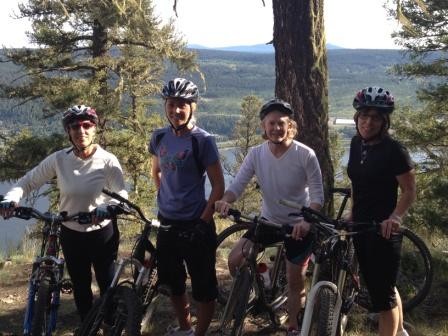 Women mountain biking1